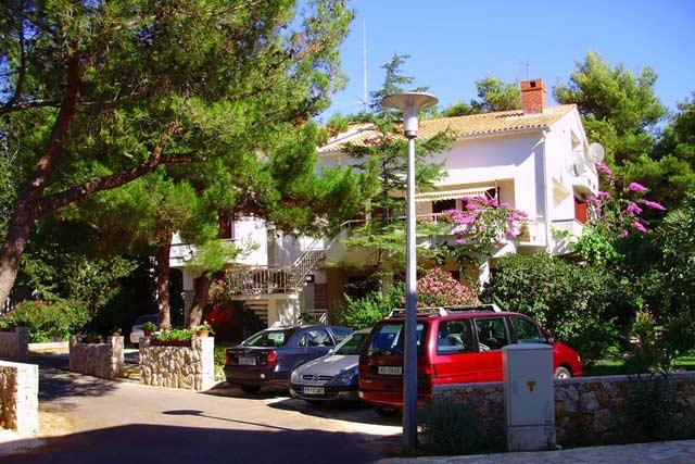Apartments Villa Margareta Novalja